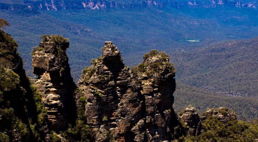 5 thINGS TO DO WHEN VISITING THE bLUE mOUNTAINs